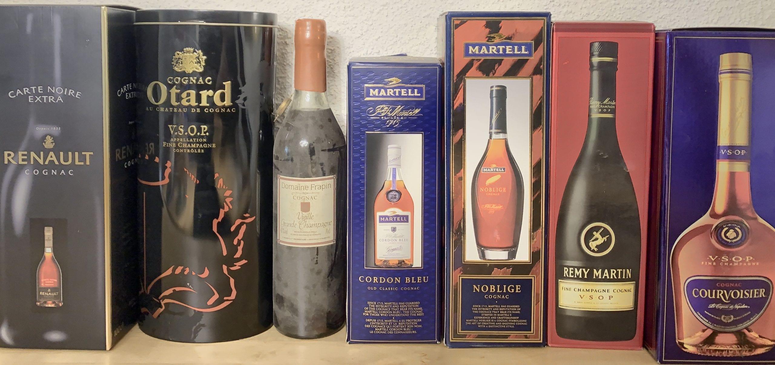 Mehrere Flaschen Cognac